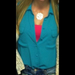 Abbeline Tops - Teal button up collared tank size S