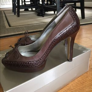 Marc Fisher Shoes - Brown leather peep toe heels. 👡