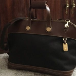 Dooney & Bourke Handbags - Dooney and Bourke travel bag
