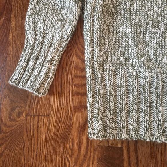 Zara Sweaters - Zara V-Neck Twist Knit Sweater