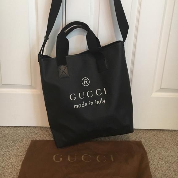 ec99a946fe6 Gucci Handbags - Gucci Black Coated Canvas GG Logo Large Tote Bag