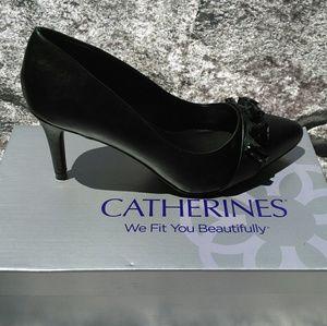 Catherines Shoes - NWT Catherine's 8W Black Heels w/ Embellished Vamp