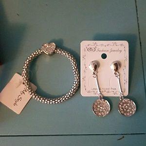Jewelry - Bracelet/Earings set