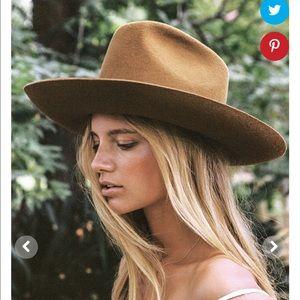 Brand new Lack of color goldfinger hat