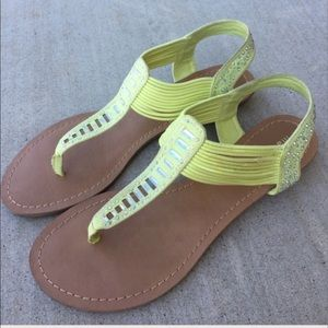 Madden Girl Shoes - Madden Girl yellow strappy sandals size 9