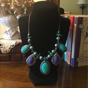 Jewelry - Silver tone and Blue Stones Necklace