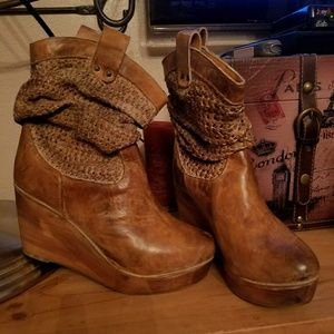 SUPER CUTE FOR FALL!! BED STU OSTEND LEATHER BOOTS