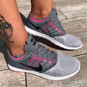 Nike Shoes - 🎀Grey-pink 🎀Training Nike sneakers.Price Firm .
