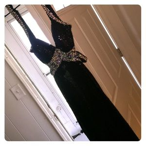Faviana Dresses & Skirts - Black Sparkle Prom Dress Perfect Condition