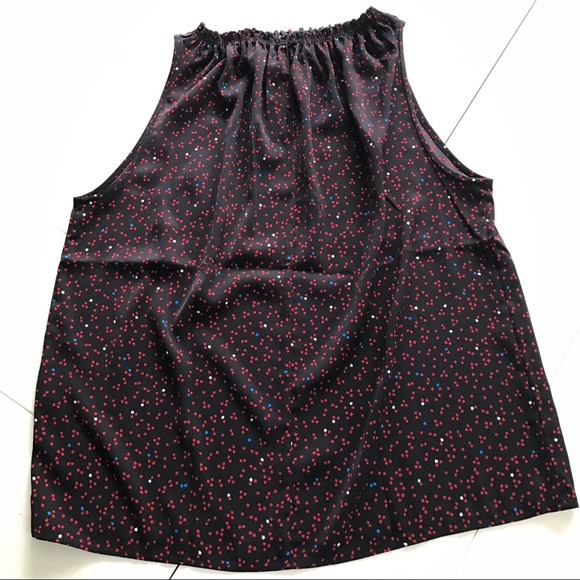 GAP Tops - NWT GAP Sleeveless Black Top with Stars - Size M