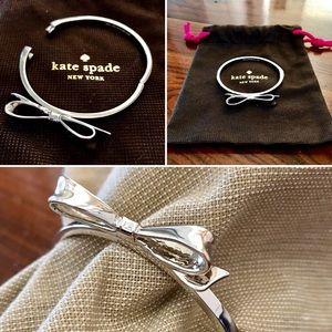 ♠️  kate spade Bow Bracelet NWOT ♠️