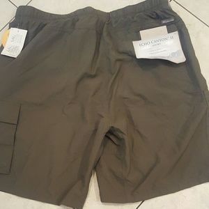 Columbia shorts deadstock sz. xl new with tags