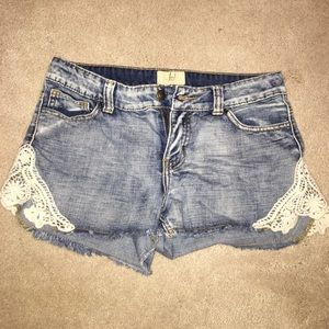 Urban Outfitters Pants - Faded Lace Jean Shorts Size 28
