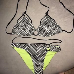 Beach Bunny Other - Beach Bunny Crossroads bikini Set L top S bottom