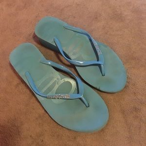 bebe Shoes - BEBE wedge flip flops sz 8