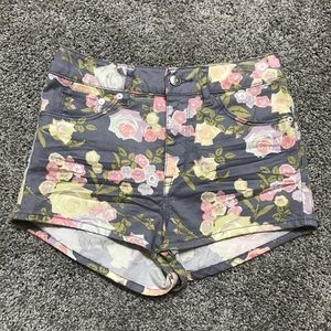 H&M Pants - Floral high waisted shorts