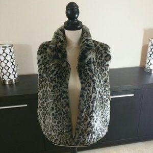 Valerie Stevens Cheetah Print Faux Fur Vest