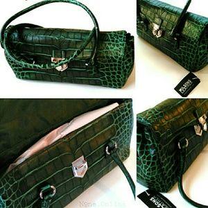 Beautiful Barrel Style Wilson's Leather Handbag