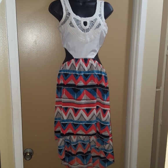Dresses & Skirts - Multi colored dress w/ lace top