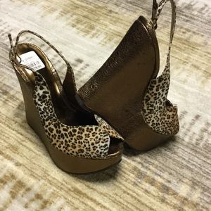 NEVER WORN: Leopard and Bronze Platform Sandals