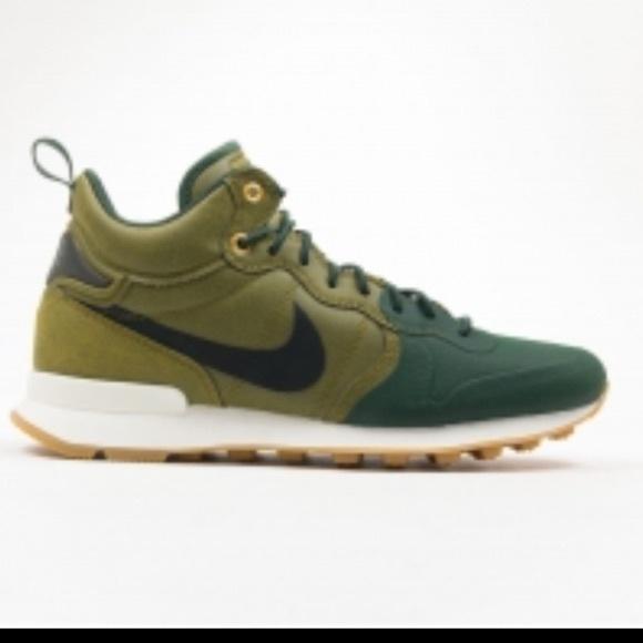 super popular f15f1 8a2ba Mens Nike Internationalist utility mid in olive. M 593a380bc28456d58301987f