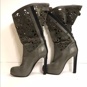 Haider Ackermann Shoes - Haider Ackermann taupe leather heeled boots
