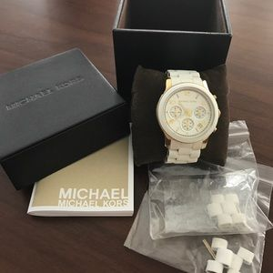 Michael Kors MK5145 Runway Chronograph watch