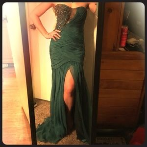 Sherri Hill Dresses & Skirts - Gorgeous emerald gown