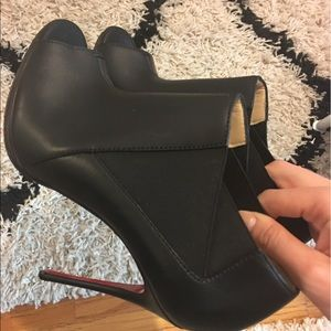 ALMOST NEW CHRISTIAN LOUBOUTIN BOOTIE