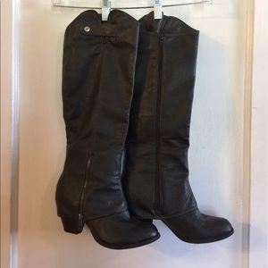 Fergalicious Shoes - ADORABLE (vegan) leather dark grey boots!