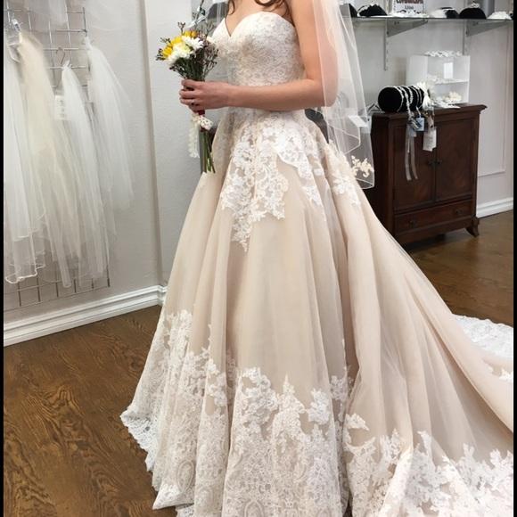Brand New 2674 Wedding Dress Ball Gown