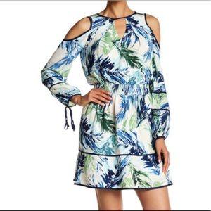Adelyn Rae Dresses & Skirts - 💥NWT💥Adelyn Rae Cold Shoulder Printed Dress