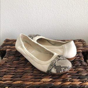 Attilio Giusti Leombruni Shoes - ✨White AGL Ballet Flats✨