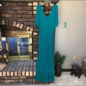 Loveappella Dresses & Skirts - Loveappela jade green cold shoulder maxi dress