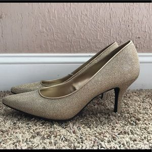 FIONI Clothing Shoes - Fioni Gold High Heel Pumps
