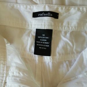 Rafaella capri shorts in white size 10