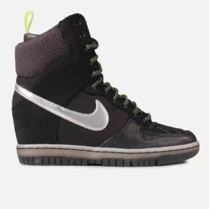 NIKE Dunk Sky Hi Sneakerboot Black Volt New