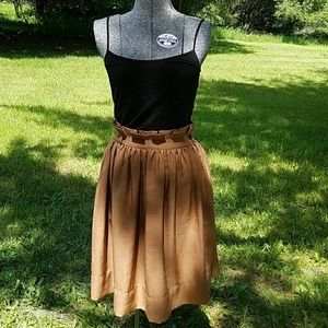 H&M Dresses & Skirts - NWT H&M high waisted skirt