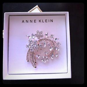 Anne Klein Jewelry - Anne Klein floral rhinestones brooch new in box