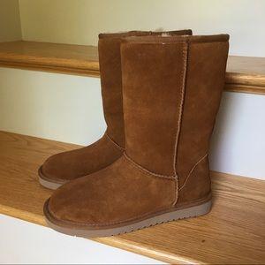 Ugg Koolaburra Short Boot Chestnut 7 NWOB