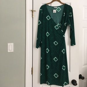 A Pea In The Pod Wrap Maternity Dress Size Large
