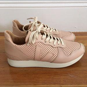 Veja Shoes - Veja Holiday Bastille Sneakers in Nude