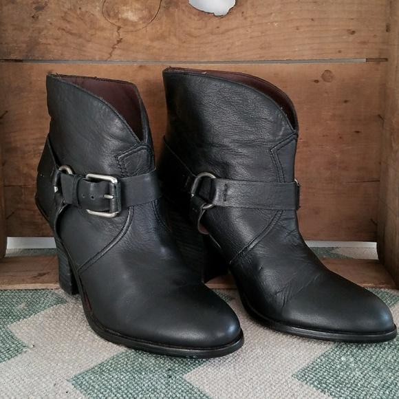 ca5b89f4ab3 {Lucky Brand} black leather LK-EMILY booties