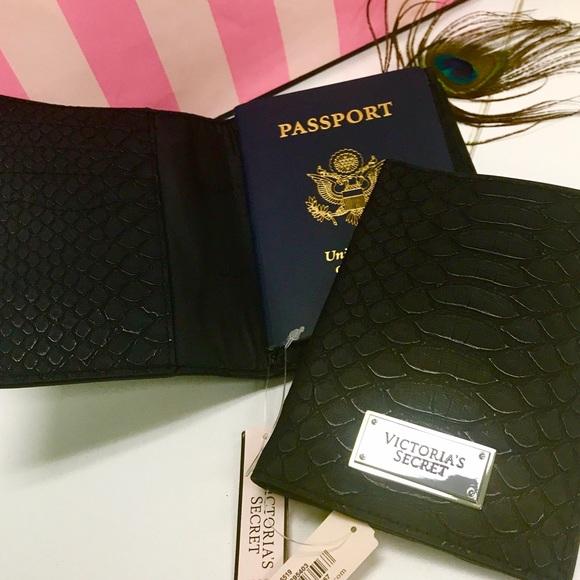 VICTORIAS SECRET PASSPORT HOLDER POP ART METALLIC PINK TRAVEL CASE COVER NWT