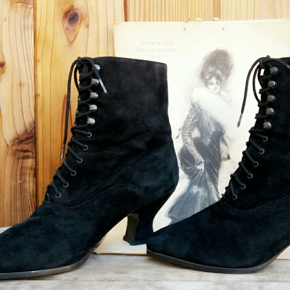 Vintage Victorian Style Lace Up Ankle
