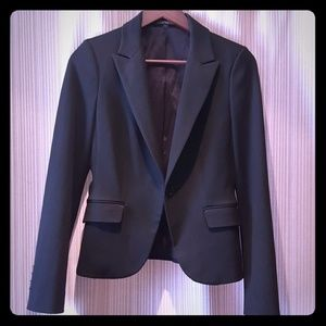 Express Black Blazer in a Size 4