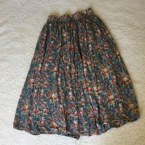 Midi floral green skirt