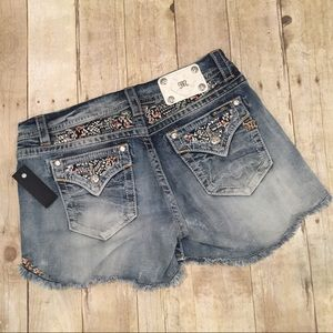 Miss Me Pants - Miss Me NWT easy fit shorts ( exclusive for Buckle