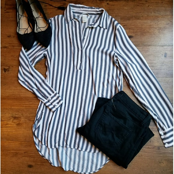 24a6ada8707 H&M Half Button Long Sleeve Striped Blouse