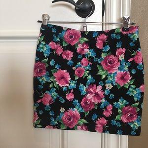 [LIKE NEW]: Forever 21 Black Floral Skirt